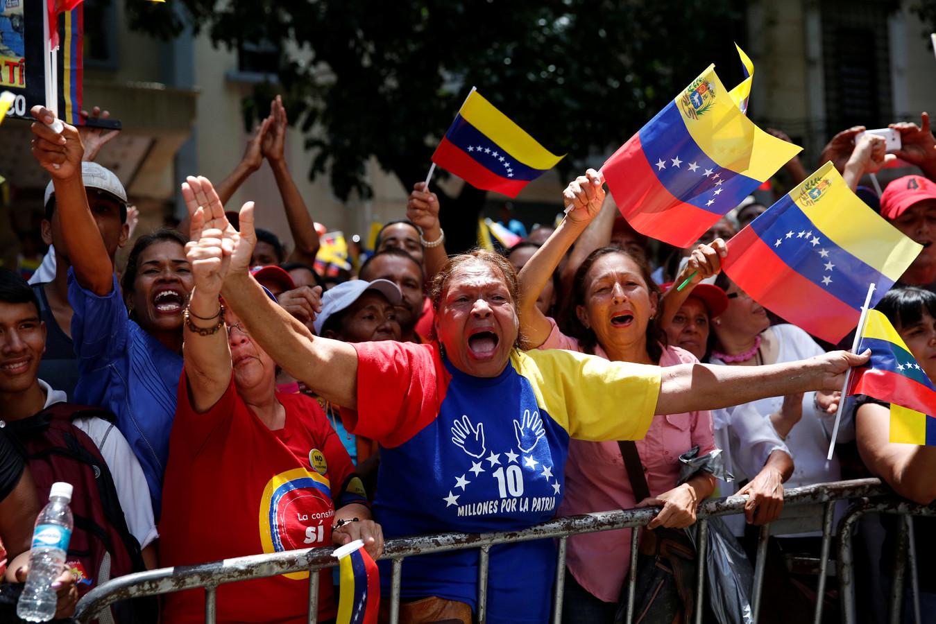 Voorstanders van Maduro kwamen vandaag in Caracas de straat op om hun steun voor de president uit te drukken.