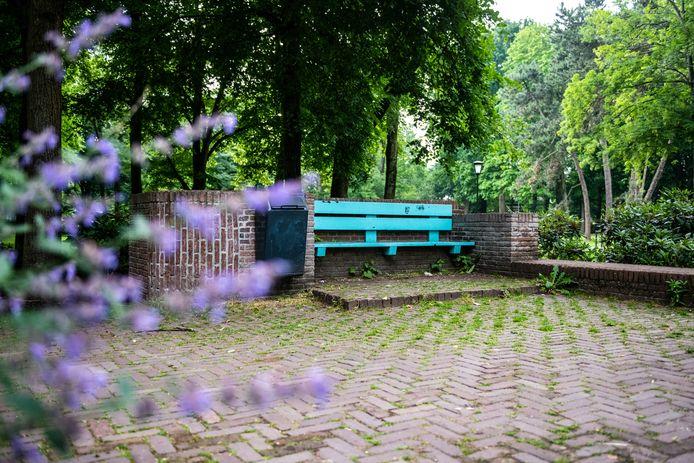 Ter illustratie: een bankje in het Alphense Bospark