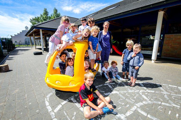 De kinderen van het Oosthoekschooltje eind vorig schooljaar.