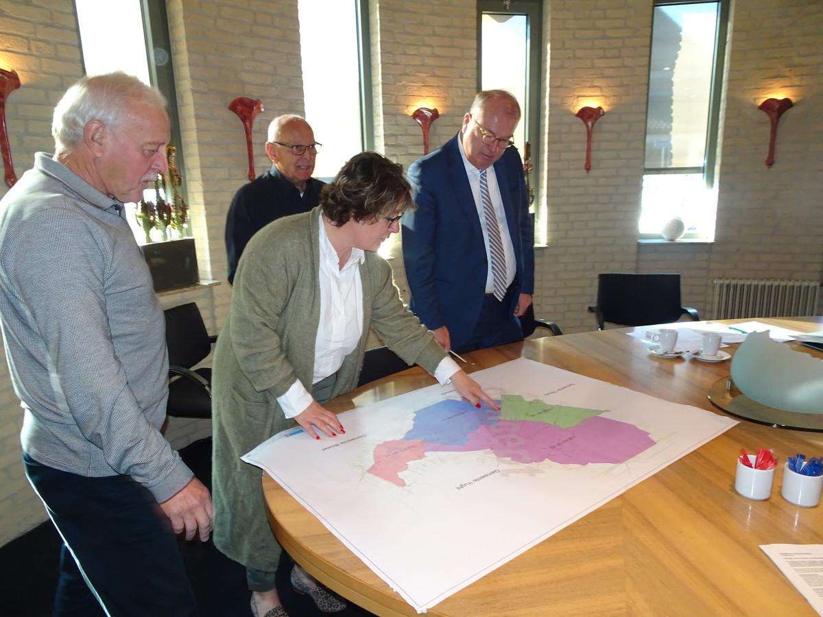 Voor: wethouder Carine Blom en Peter van der Velden.