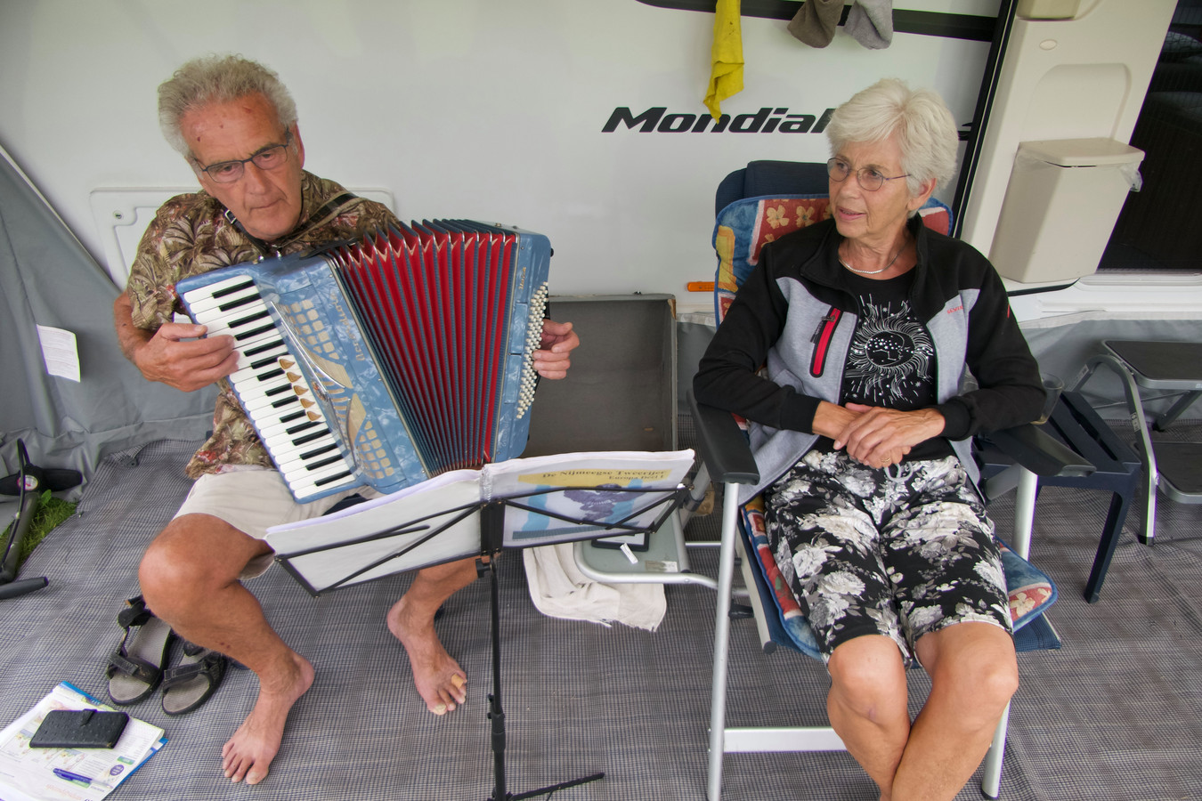 Gerben-Jan en Anneke Hoekstra op  camping De Linde