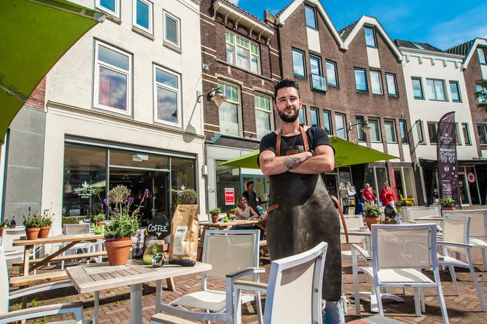Ramon Renting eigenaar van Barista Cafe Gouda op de Kop van de Kleiweg