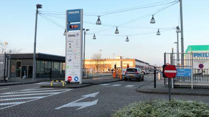 """109 arbeiders en 49 bedienden verliezen job: """"Philips is nu soms al een spookfabriek"""""""