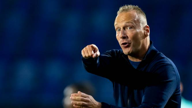 NAC-trainer De Graaf zwaar teleurgesteld in zijn ploeg: 'Het leek wel pupillenvoetbal'