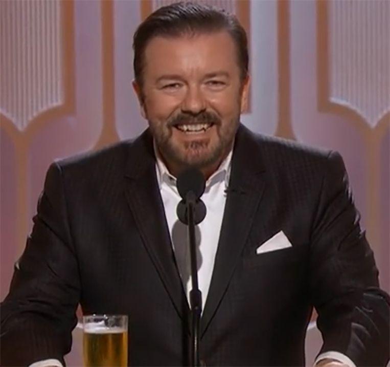 Ricky Gervais schopte als Golden Globes-gastheer tegen de schenen van vrijwel heel Hollywood. Beeld YouTube