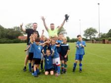 Team 2 van de Sint Jorisschool wint Jan-Willem Schepers schoolvoetbaltoernooi na strafschoppen