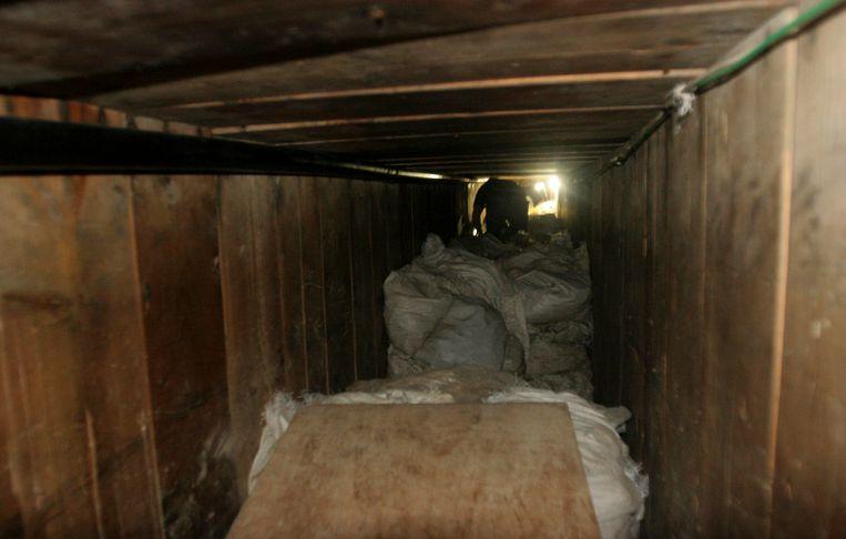Tunnel onder een warenhuis in Tijuana. Ontdekt in juli 2012. 350 meter lang, 50 ton marijuhana aangetroffen. Beeld REUTERS