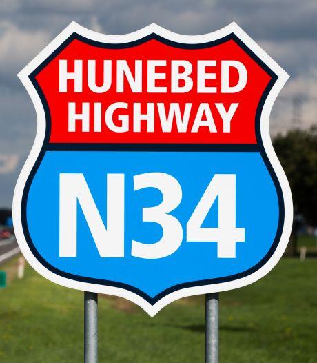 Bordjes Hunebed Highway verdwijnen massaal, maar provincie Drenthe blijft ze vervangen