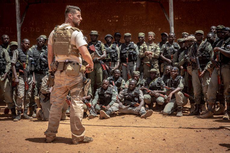 Belgische militairen trainen agenten in Niger. Het buurland is een veilige uitvalsbasis voor veel Nigerianen. Beeld Sven Torfinn / de Volkskrant