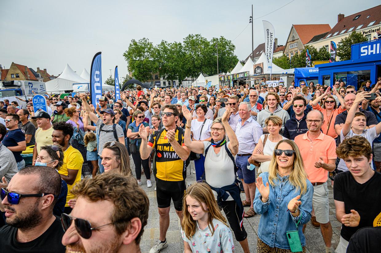 De sfeer zat er goed in op de eerste dag van het WK wielrennen. Beeld Photo News / Filip Lanszweert