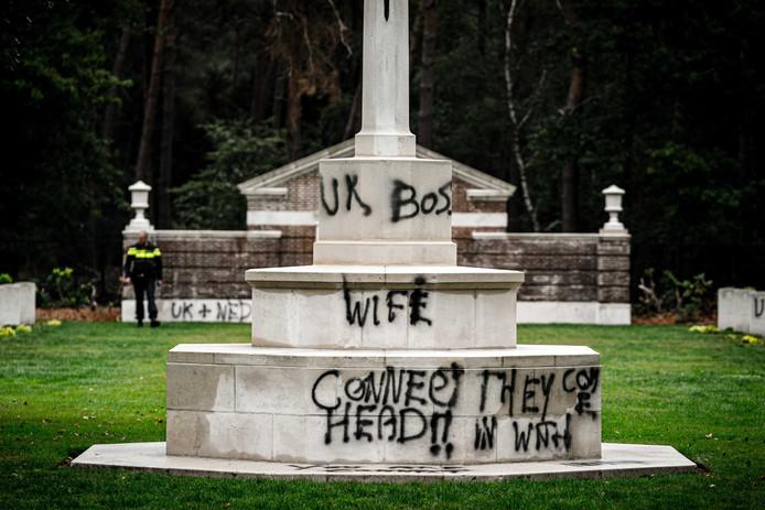 De bekladde Britse oorlogsbegraafplaats