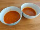 Ik heb een liter tomatensoep besteld, en die warm ik zelf op in een kleine kom. Ze is overheerlijk.