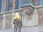 Gouden Leeuw terug op zijn stekkie in Bossche binnenstad: 'De laatste keer dat dit zo kan'