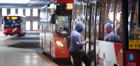 Man weigert mondkapje te dragen en mishandelt chauffeurs die hem niet in de bus willen hebben
