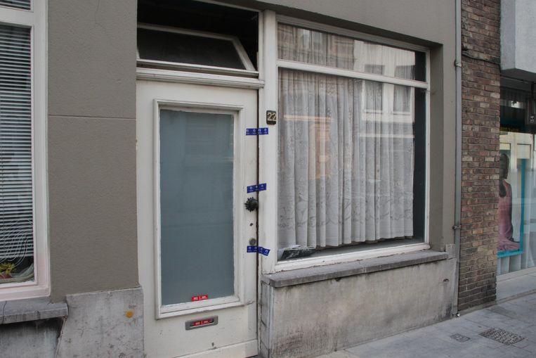 Na de schiet- en steekpartij werd het appartement verzegeld.