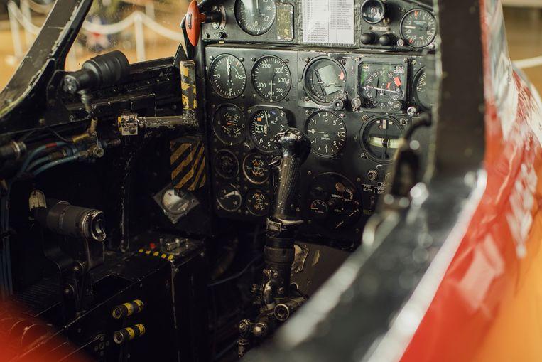 De cockpit van de Fouga Magister in het Stampe & Vertongen Museum in Deurne Beeld Tim Coppens