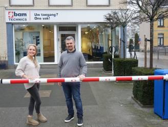 """""""Overstelpt met werk door corona en Brexit"""": Slagboombedrijg Bam Technics opent nieuwe vestiging in Kallo"""
