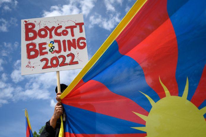 Een Tibetaanse demonstrant, vorige maand bij een protest voor het Olympisch Museum in Lausanne.