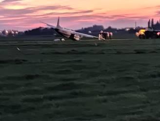 Piloot als bij wonder amper gewond bij mislukte landing: vliegtuig wel zwaar beschadigd