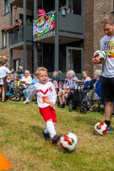 Het jonge voetbalspul van Valleivogels laat de oudste inwoners van Scherpenzeel weer lachen: 'dit hebben we gemist'