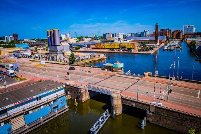 In de Binckhorst (zie foto), het centrum  en het gebied tussen de drie grote Haagse NS-stations wil het stadsbestuur  de normen voor openbaar groen halveren. Van 16 vierkante meter gebruiksgroen per woning naar 8.