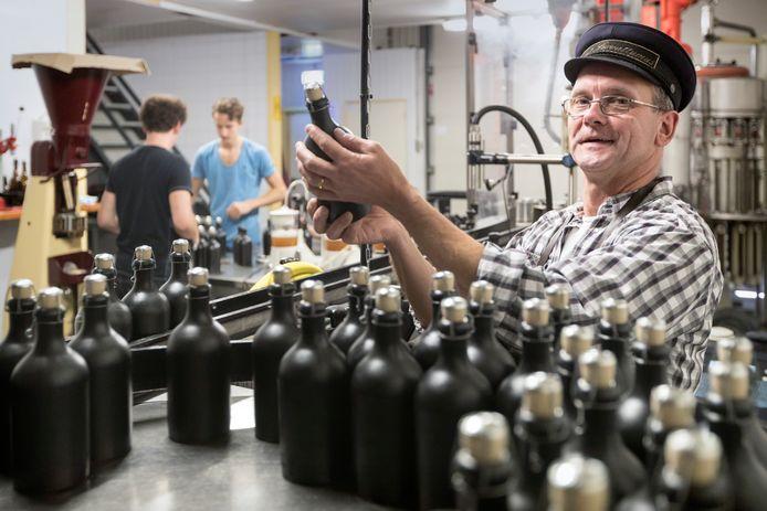 Toon van der Heijden van de Schijndelse bierbrouwerij Sint Servattumus - met zijn karakteristieke petje - is getroffen door een hersenbloeding.