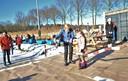 Burgemeester Agnes Schaap van Renkum opent officieel de Renkumse ijsbaan.