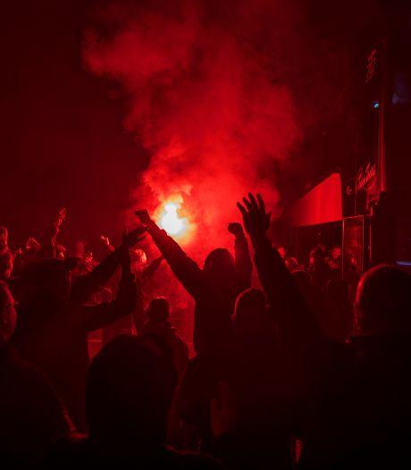 Tientallen uitzinnige fans Helmond Sport bijeen na verrassende ontknoping seizoen