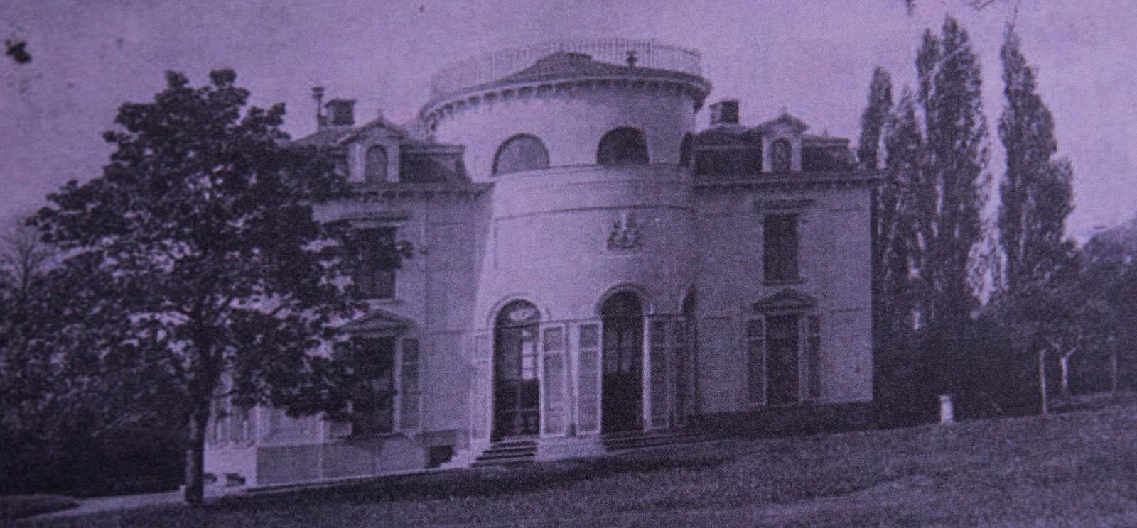 Het kasteel op Den Berg in Wetteren.