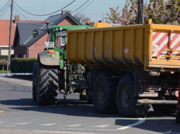 Vijf jaar geleden viel er nog een dodelijk slachtoffer te betreuren op de Kallebeekstraat bij een dodehoekongeval met een tractor.
