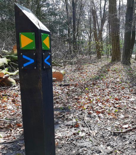 Honderden verrotte paaltjes eruit: Robinia wijst wandelaar in Stadsbos013 straks de weg