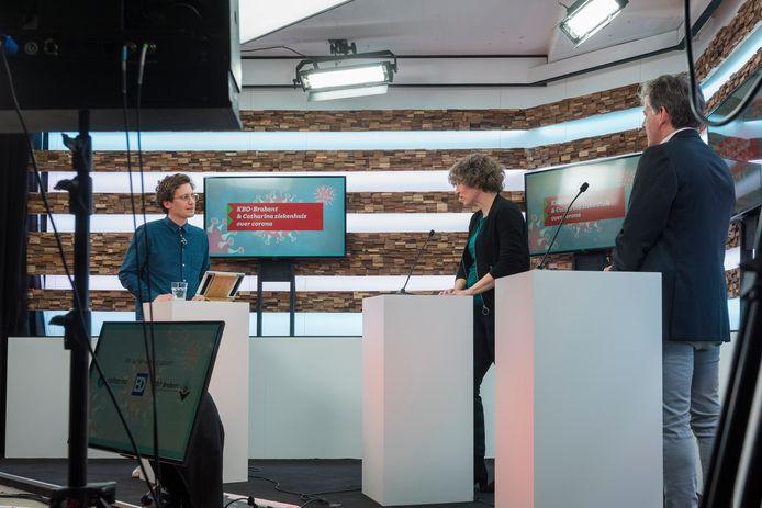 Live uitzending vanuit het Glasgebouw in Eindhoven over het coronavirus.