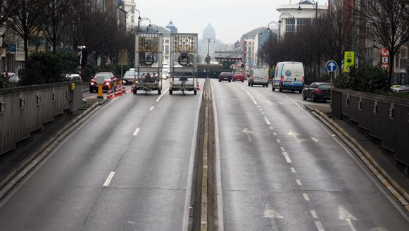 De Rogiertunnel is in beide richtingen afgesloten. (archieffoto)