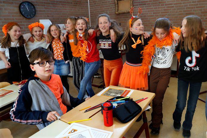 Koningsspelen in groep 7 van Dalton IKC De Overlaat in Tolkamer.