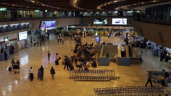 De vertrekhal van het vliegveld van Manilla.