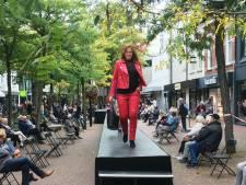 Maar liefst tachtig meter catwalk doorklieft het Walplein tijdens Oss Fashion Weekend