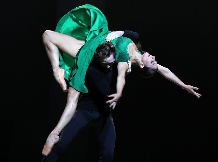 Sasha Mukhamedov (Isolde) en James Stout (Tristan) staan voortdurend op standje emotioneel in weinig gedifferentieerde, maar kundige duetten. Beeld hans_gerritsen