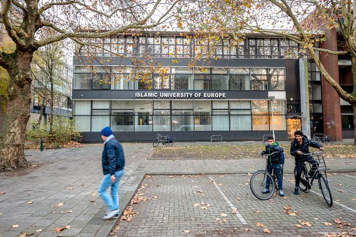De Islamitische Universiteit van Europa in de Rotterdamse wijk Blijdorp.