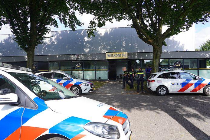 Agenten aan het werk in Tilburg.