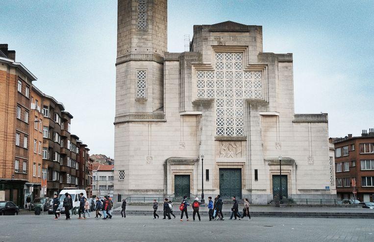 Toen ze de Sint-Jan-Baptistkerk in Molenbeek binnengingen, wilden Marokkaanse kindjes dat niet.