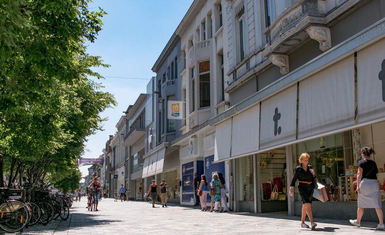 De Stationsstraat, het hart van het winkelfocusgebied van Sint-Niklaas.
