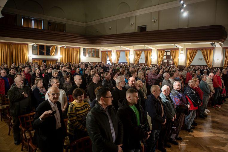 Een verkiezingsovereenkomst van de rechts-extreme partij ĽSNS in de stad Ružomberok. Beeld Fotografie (108294)Julius Schrank / de Volkskrant