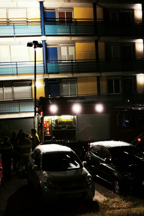Brandweer redt bewoner van balkon bij brandje in Nijmegen
