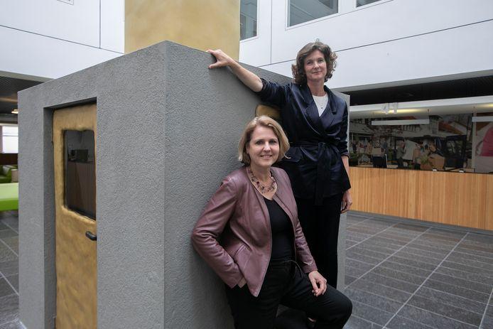 Opdrachtgever Monique List (links) wethouder van o.a. design in Eindhoven en Chris Sigaloff, die het plan voor Complex schreef.