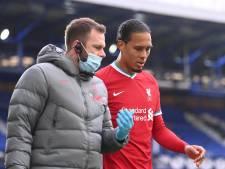 Van Dijk traint weer met bal: 'Hij oogt sterker dan ooit'