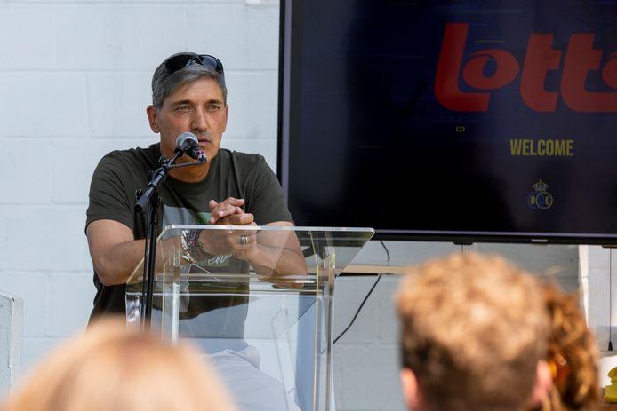 Trainer Felice Mazzu stond de pers te woord.