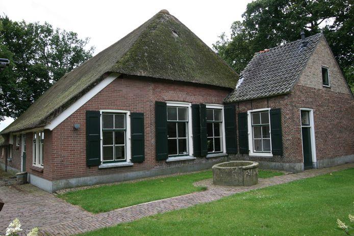 Erve Klein Lochter aan de Rossinistraat 8 in Nijverdal staat te koop.
