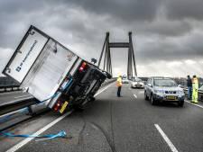 Zwaarste storm in bijna 30 jaar in Brabant: windkracht 9, voorlopig nog geen treinen