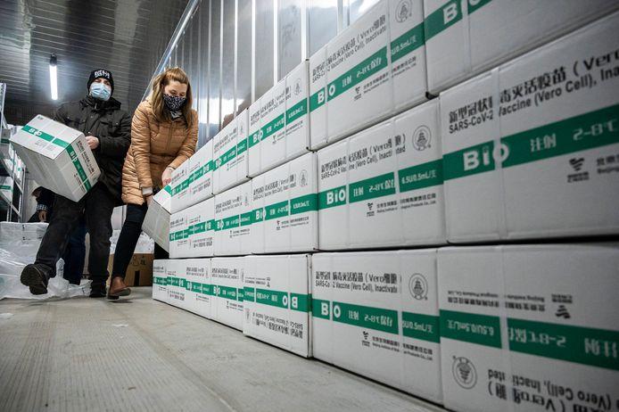 Een nieuwe lading Chinese Sinopharm-vaccins komt aan in Boedapest, vorige week.