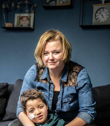 Debby meldde zich ziek om voor zoontje Duuk te zorgen: 'Het voelde alsof ik spijbelde'